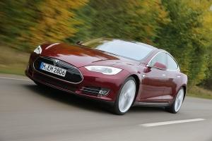 Компания Tesla выпустит бюджетный электрокар
