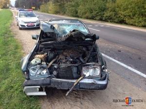 В Лидском районе пьяный водитель Mercedes врезался в молоковоз и пошел домой спать