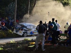 Во время ралли в Испании в толпу врезался Peugeot 206 XS — погибли шесть человек ( ВИДЕО )