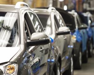 Завтра начнет действовать запрет на ввоз машин старше 8 лет и ниже 4-го экологического класса